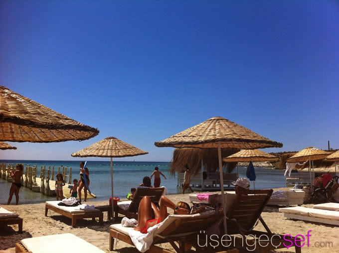 alacati-beach-deniz-gunes-bronzluk