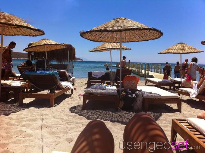 alacati-beach-deniz-gunes-tatil