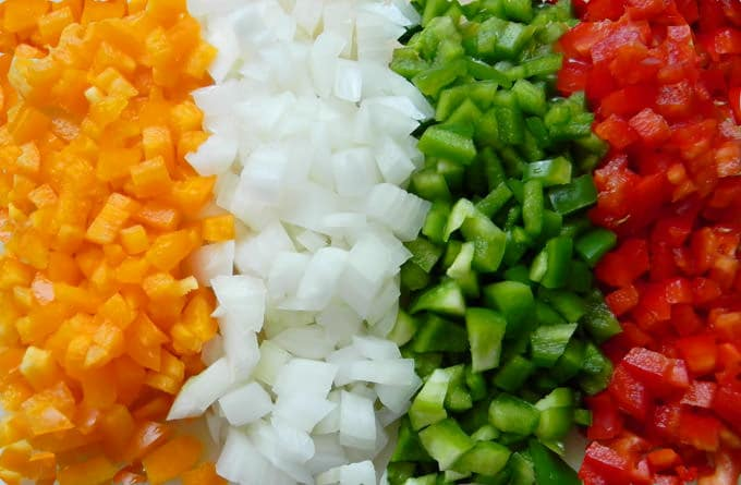 yemeklik-biber-nasil-dogranir-tarif