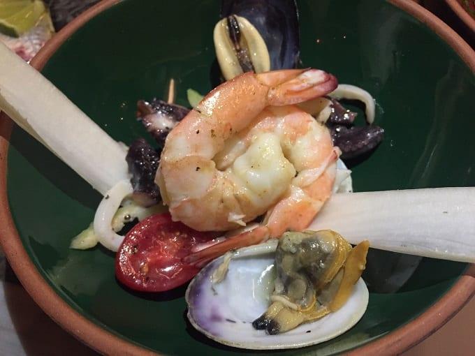 Capricorn-deniz-mahsulleri-salatasi-usengecsef