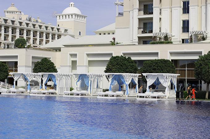 titanic-deluxe-belek-hotel-antalya-havuz-cabana