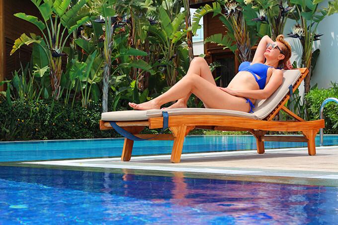 titanic-deluxe-belek-havuz-deniz-suyu-bikini-mavi