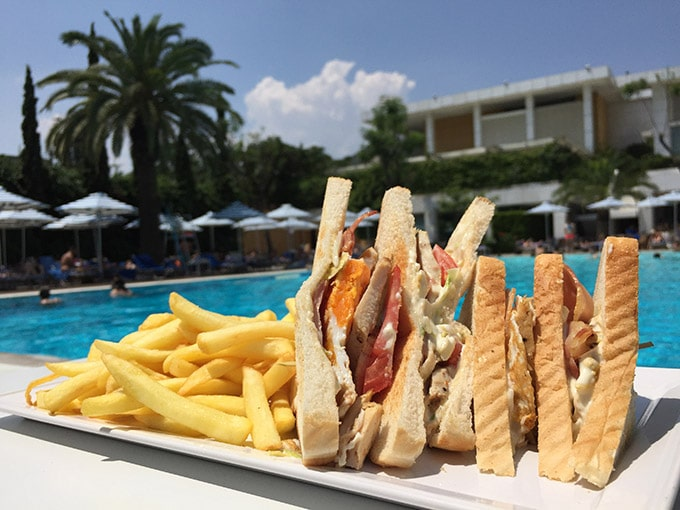club-sandwich-hilton-atina-athens