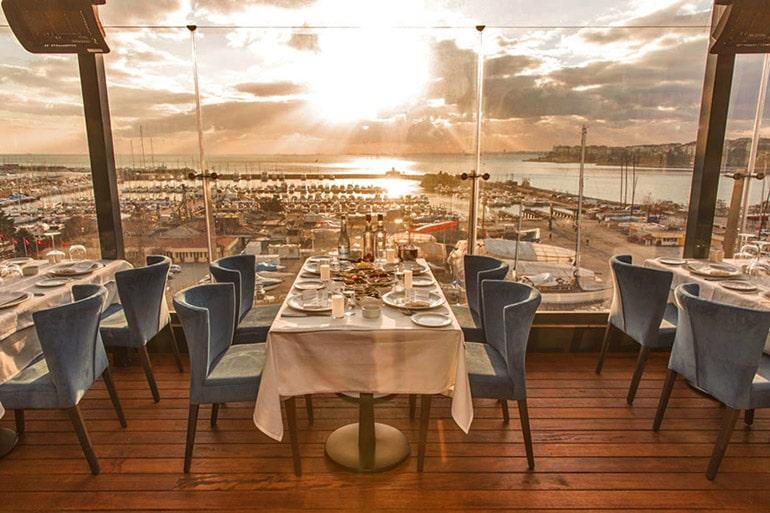 ouzo-roof-restaurant-wyndham-grand-kalamis-yunan